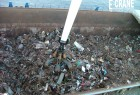 İÇDAŞ: first scrap grabbed by the new E-Crane and unloaded in the provided dump containers