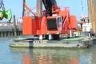 Barge mounted E-Crane, undercarriages