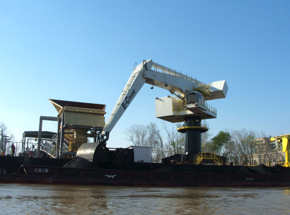 2000 Series E-Crane at Beelman River Terminals