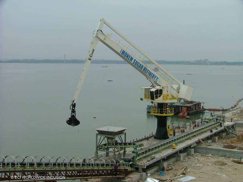 e-crane-at-abdul-monem-sugar-refinery