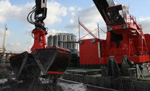 Dredging, crane